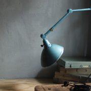 lampen-326-gelenklampe-wandleuchte-midgard-ddrp-hammerschlag-blau-curt-fischer-blue-hammertone-bauhaus-ddr-wall-hinged-industrial-lamp-(32)