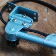 lampen-326-gelenklampe-wandleuchte-midgard-ddrp-hammerschlag-blau-curt-fischer-blue-hammertone-bauhaus-ddr-wall-hinged-industrial-lamp-(8)