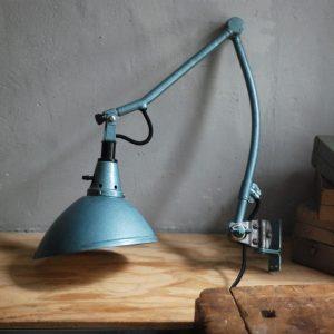 lampen-626-wandleuchte-gelenklampe-midgard-drgm-curt-fischer-hammerschlag-hammertone-blue-hinged-wall-industrial-lamp-01