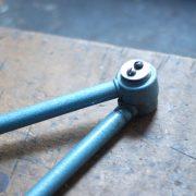 lampen-644-gelenlampe-wandleuchte-midgard-hammerschlag-blau-curt-fischer-hammerone-hinged-industrial-wall-hinged-lamp-003