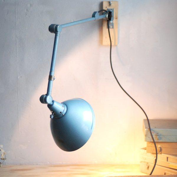 lampen-644-gelenlampe-wandleuchte-midgard-hammerschlag-blau-curt-fischer-hammerone-hinged-industrial-wall-hinged-lamp-036