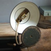 lampen-650-tischleuchte-helo-tischampe-schwarz-messing-bauhaus-table-lamp-001