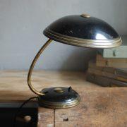 lampen-650-tischleuchte-helo-tischampe-schwarz-messing-bauhaus-table-lamp-002