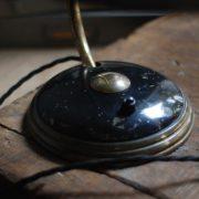 lampen-650-tischleuchte-helo-tischampe-schwarz-messing-bauhaus-table-lamp-007