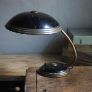 lampen-650-tischleuchte-helo-tischampe-schwarz-messing-bauhaus-table-lamp-008