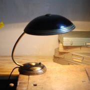 lampen-650-tischleuchte-helo-tischampe-schwarz-messing-bauhaus-table-lamp-014