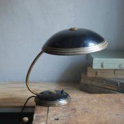 lampen-650-tischleuchte-helo-tischampe-schwarz-messing-bauhaus-table-lamp-015