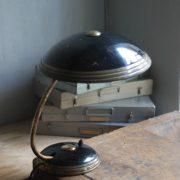 lampen-650-tischleuchte-helo-tischampe-schwarz-messing-bauhaus-table-lamp-017