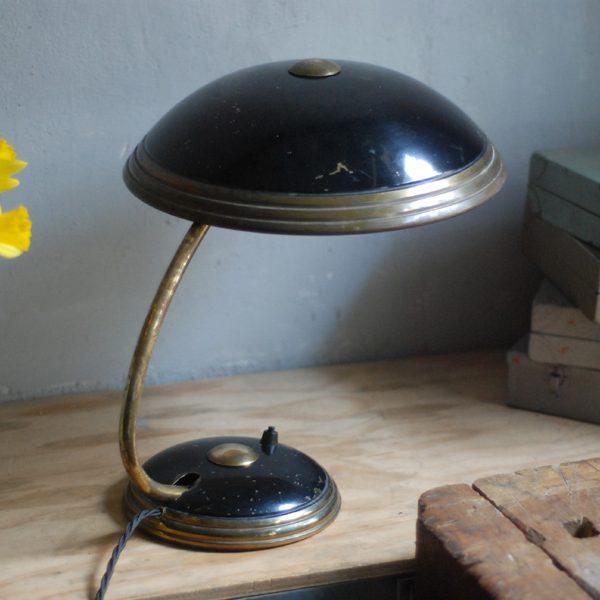 lampen-650-tischleuchte-helo-tischampe-schwarz-messing-bauhaus-table-lamp-019