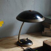 lampen-650-tischleuchte-helo-tischampe-schwarz-messing-bauhaus-table-lamp-026