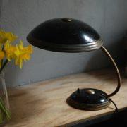 lampen-650-tischleuchte-helo-tischampe-schwarz-messing-bauhaus-table-lamp-035